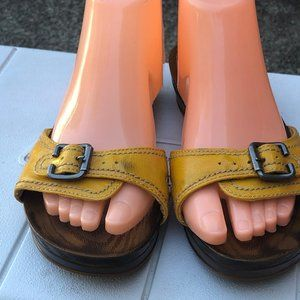 Dr. Scholl's Shoes - Dr. Scholl's Big Buckle Yellow Strap Sandals